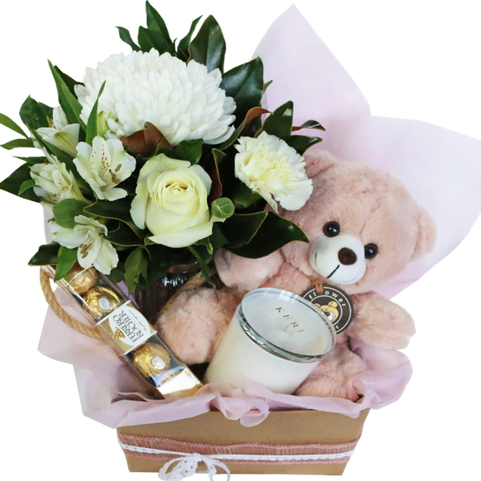 nala-hamper-with-teddy-candle-chocolates-and-bouquet-in-vase-09019.1562228638.jpg