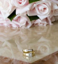 wedding-rings-anniversary-flowers-pale-pink-roses-small.jpg