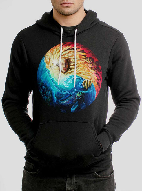 The Sun and The Sea - Multicolor on Black Men's Pullover Hoodie