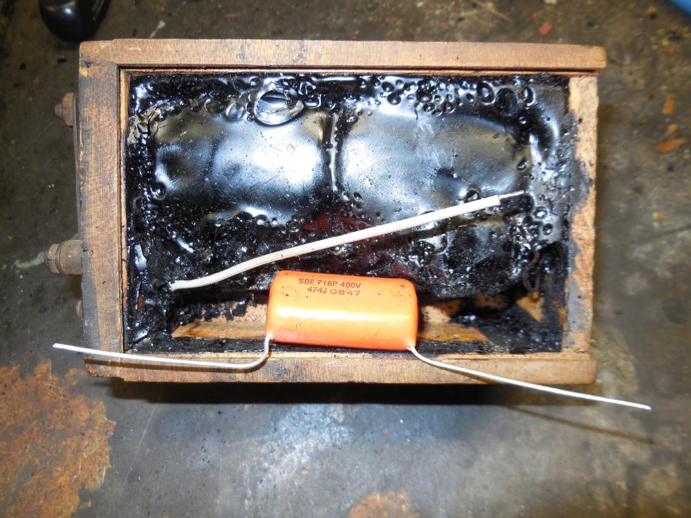 ford-buzz-coil-box-retro-p6.png