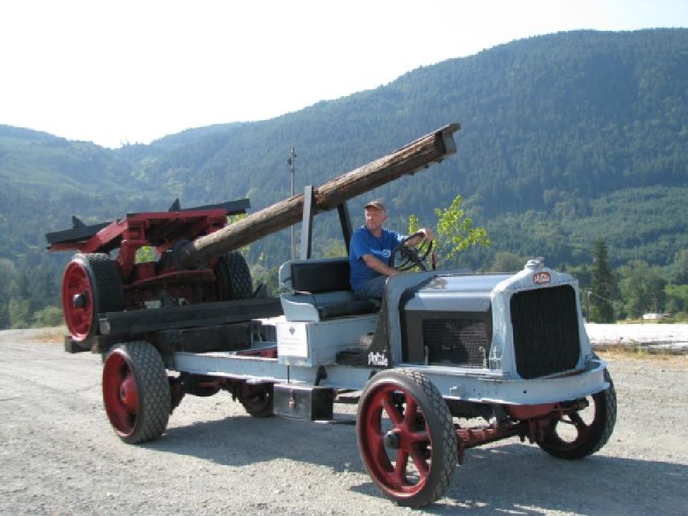 white-45-log-truck-skinny.png