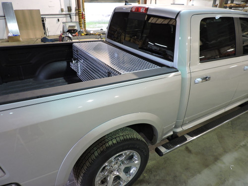 ECO-Diesel Auxiliary Tank and Toolbox Combination made by: Aluminum Tank & Tank Accessories, inc. 1-800-773-3047.