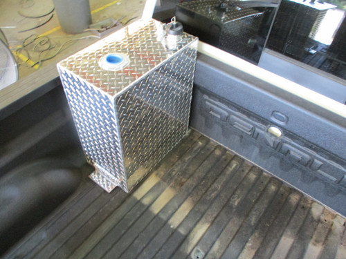 AT25RTF - DOT Legal Transfer Tank PN# AT25RTF. 25 gallon aluminum rectangular transfer tank. Legal for use with Diesel, Gasoline, Ethanol, Methanol and Aviation Fuel. Made by Aluminum Tank & Tank Accessories, Inc.