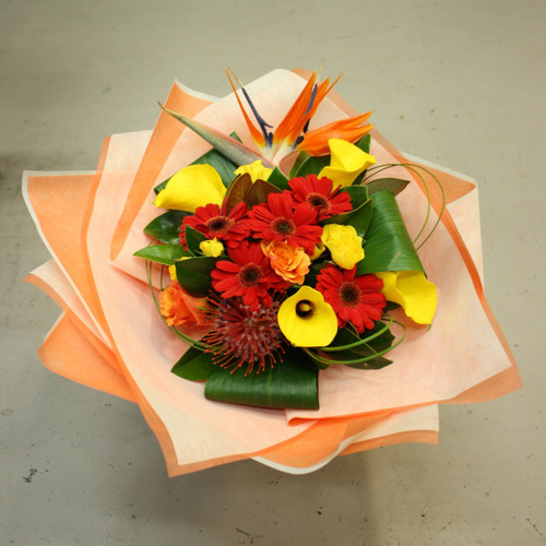 Dreaming of  a tropical paradise, the cube bouquet will bright up anyone's day