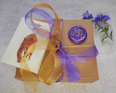 natural-luxury-gift-box-with-ribbon-and-card2.jpg