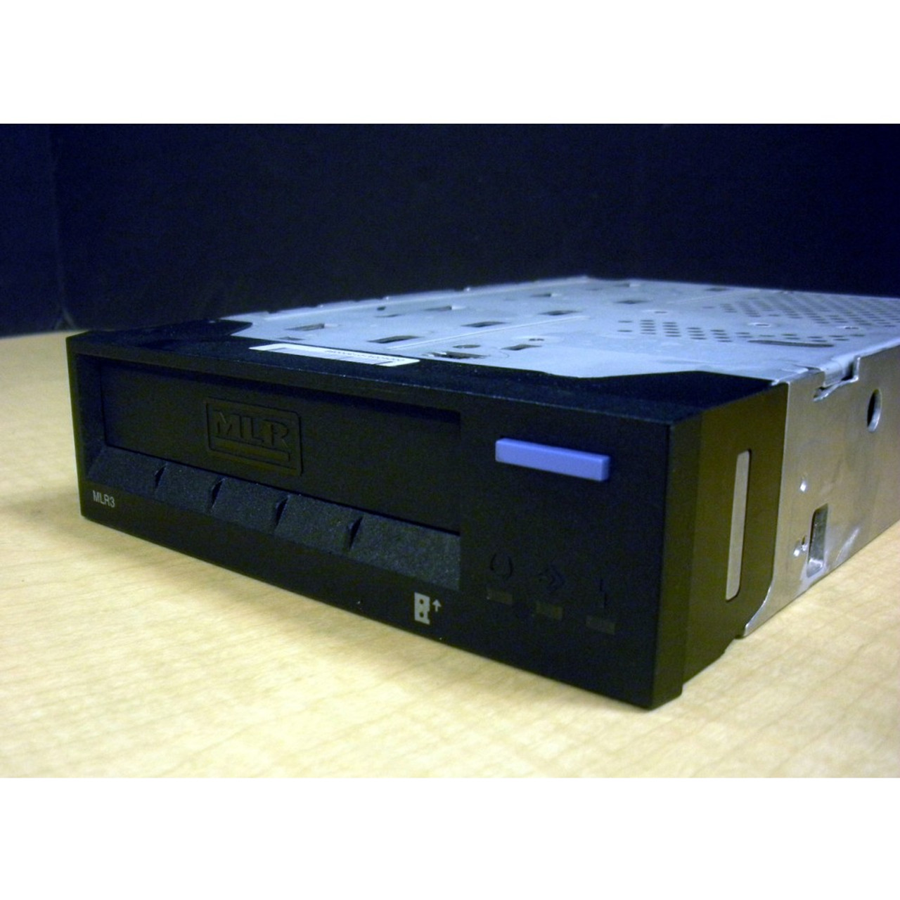 "IBM 6382-9406 4//8GB SLR5 QIC-4GB-DC 1//4/"" Internal SCSI Tape Drive"