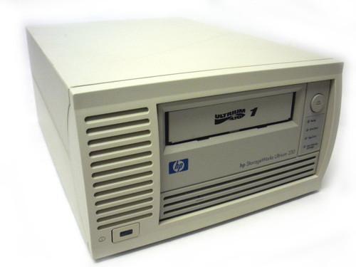 HP C7401-69202 StorageWorks Ultruim 230 LTO-1 100/200GB LVD SCSI External Tape Drive