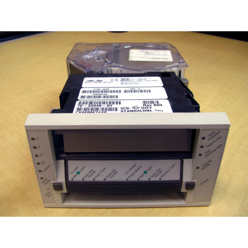 Sun 370-2848 DLT4000 20/40GB Internal SE SCSI Tape Drive Light Grey Bezel via Flagship Tech