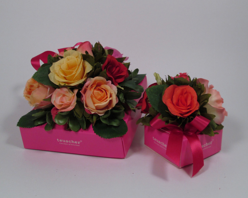 Roses Gift Box - 9 or 16 pieces