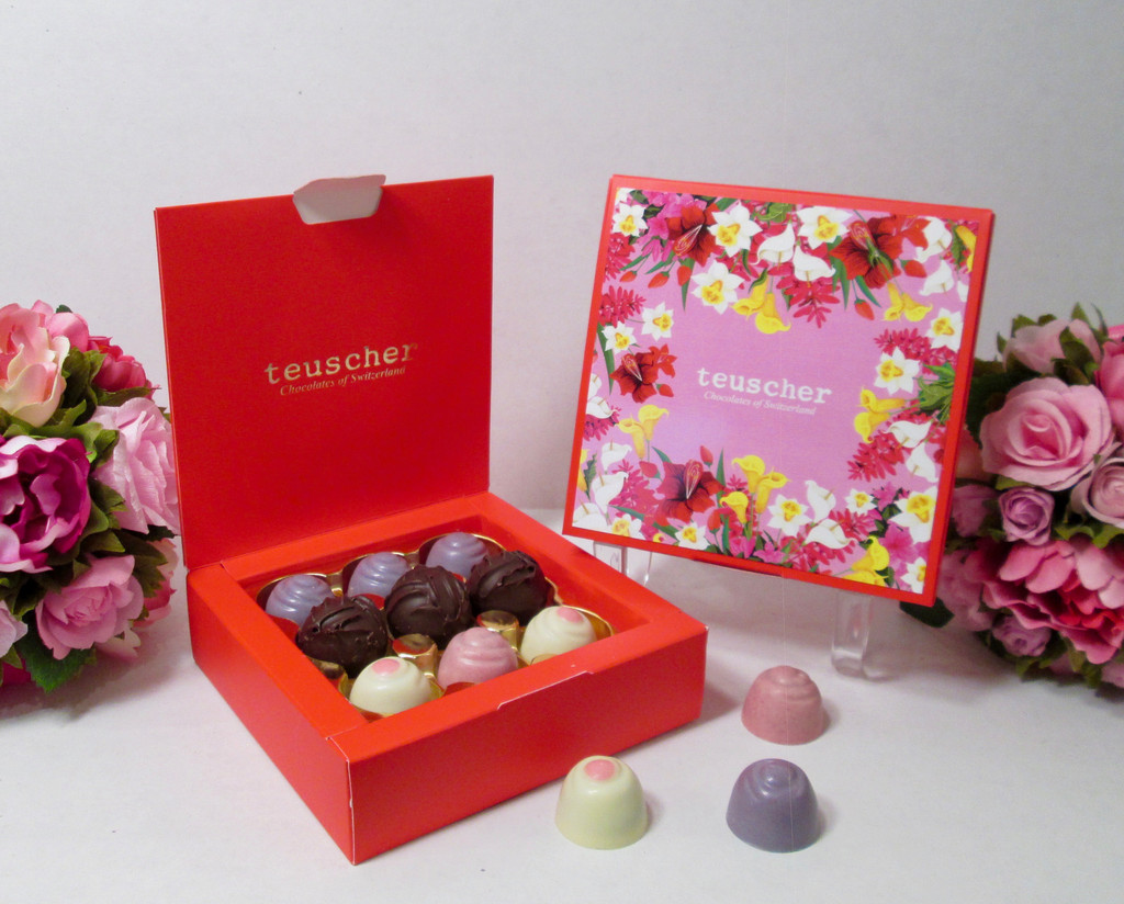 Floral Chocolate Truffle Collection -   9 pcs   Lb 0.250
