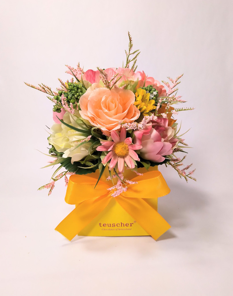 Spring Gift Box - 20, 25, 32 or 48 pieces