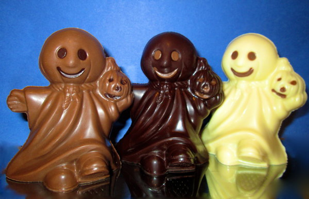 Ghosts - Solid Chocolate - Lb 0.180