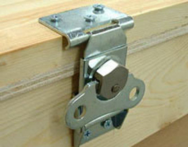 Twist Latch With Catch Plate Keeper