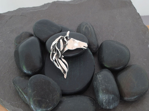 Horse Head Pin/Pendant