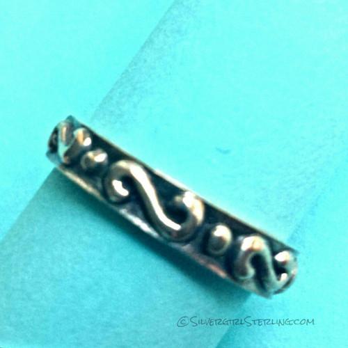 Scroll & Dot Oxidized Toe Ring