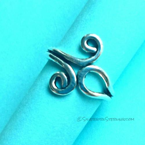 Loop & Swirls Toe Ring