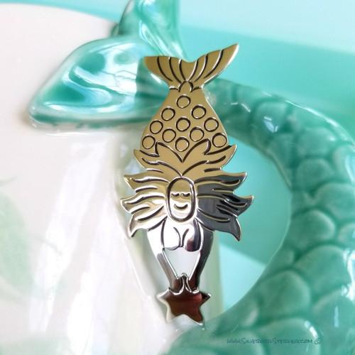 Ondine Pendant (Diving Mermaid with Star)