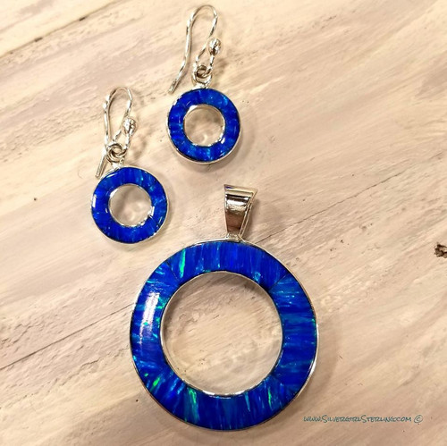 Earrings shown with Right Round Pendant