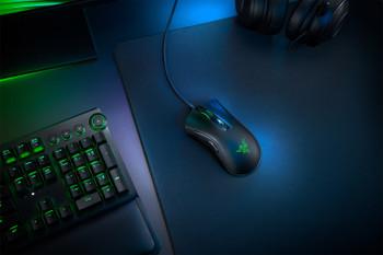 Razer DeathAdder V2 - Ergonomic Wired Gaming Mouse