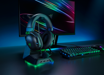 Razer BlackShark V2-Multi-platform wired esports headset with USB Sound Card-FRML Packaging