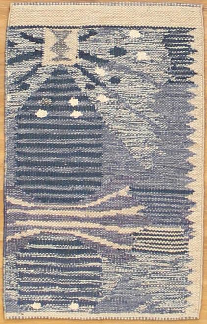 Swedish design flat weave 2' x 3'