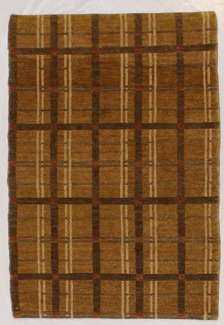 Modern design rug 2'9 x 4'1