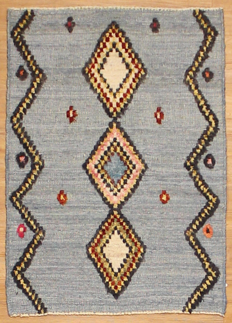 2'2x3'1 Transitional design rug