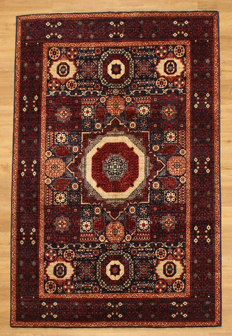 Geomantic design area rug 4'2 x 6'5