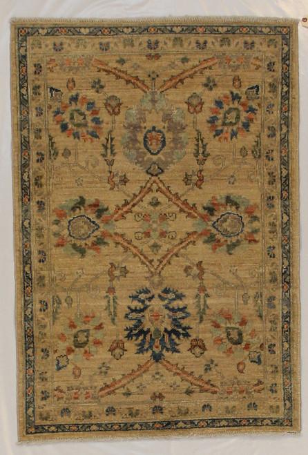 Light color traditional design rug 2'8 x 3'11