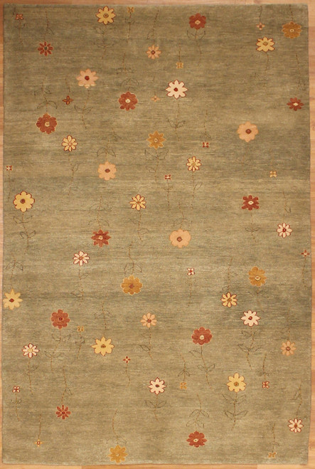 5'1 X 7'11 Hand woven flower design rug