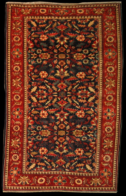 4' X 6'4 Overall Traditional design Rug