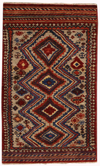 Tribal design rug 3' x 5'1