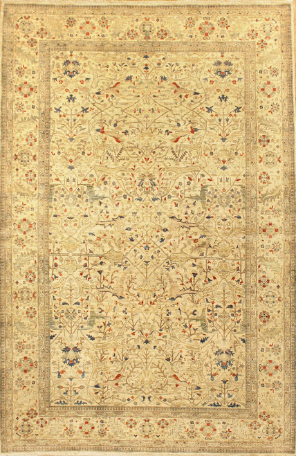 6' X 9'4 Light color rug