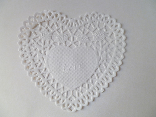 "4"" Heart Paper Lace Doily- White (SDLPDWH01)"