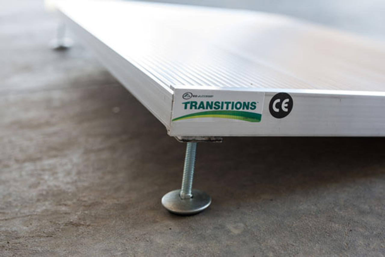 TRANSITIONS 36 Inch Angled Entry Ramp