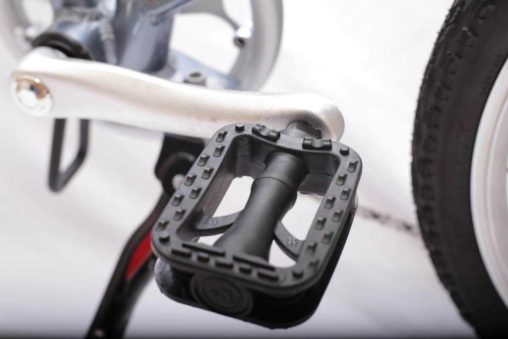 8S left pedal