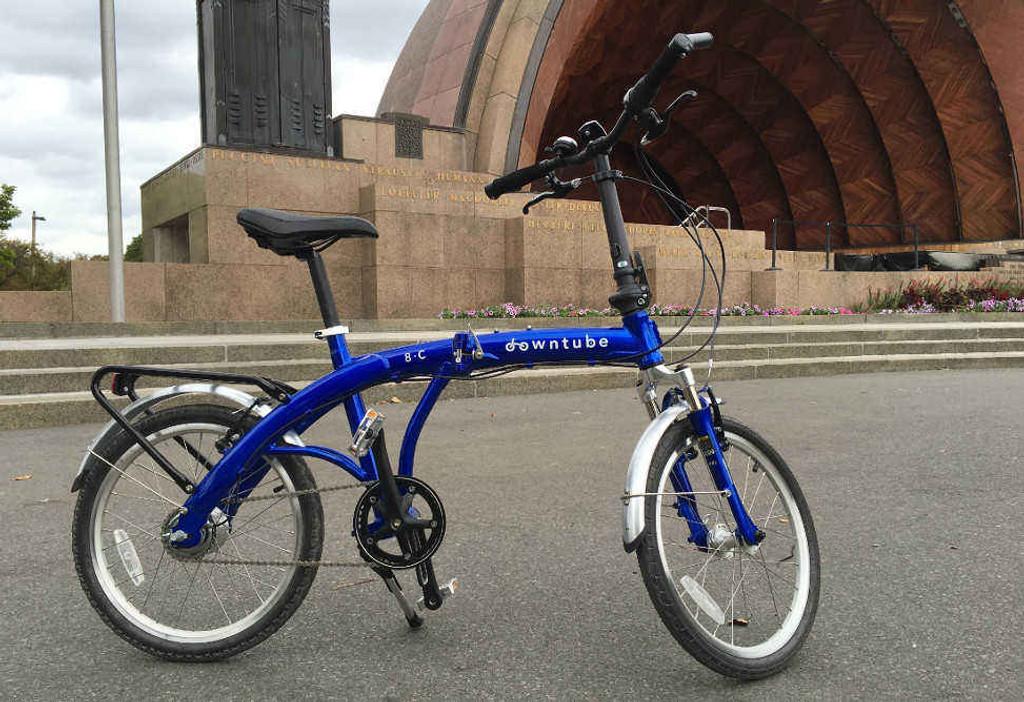 8C folding bike Blue standing