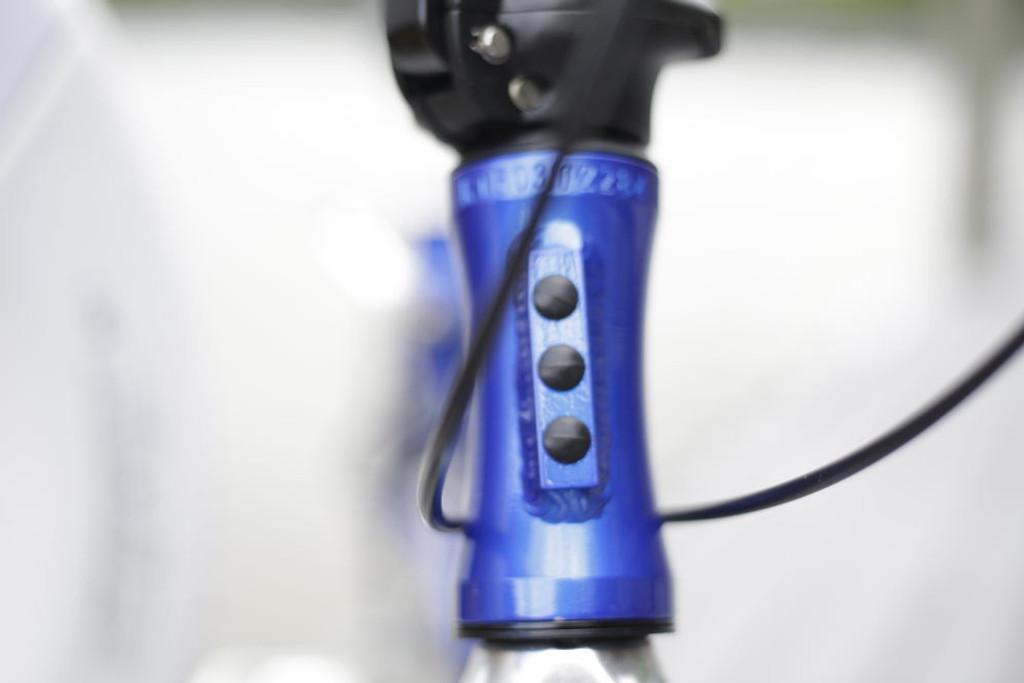 8C folding bike Blue head tube
