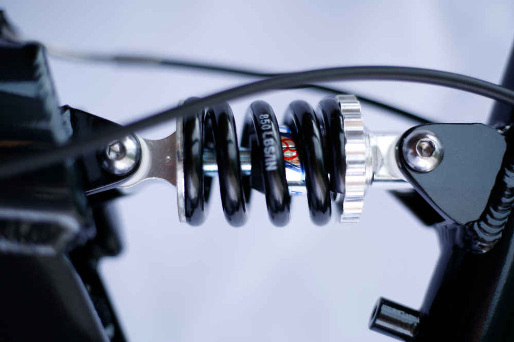 9FS Black rear shock