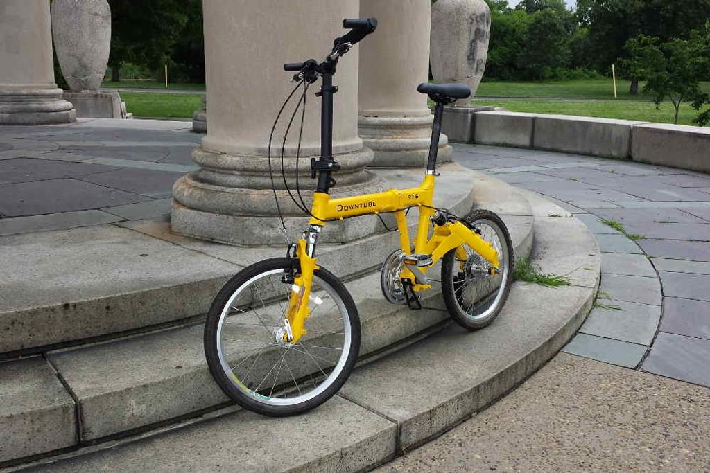 9FS yellow standing Philadelphia park