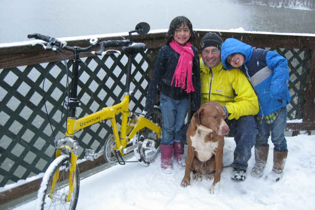 9FS yellow family in snow