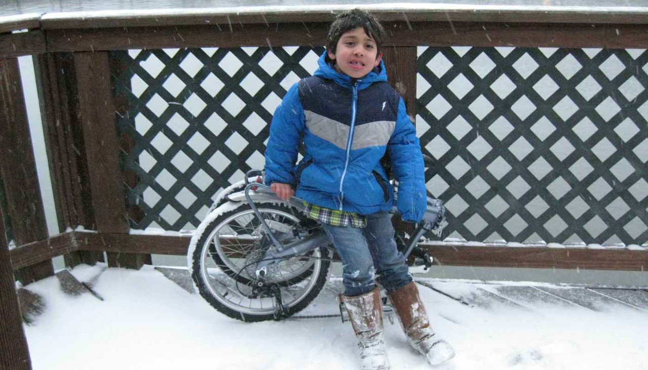 9S folding bike in the snow