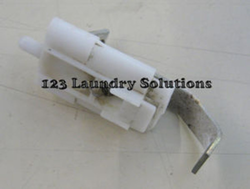 Maytag Top Load Washer Plunger & Bracket Assy 204968