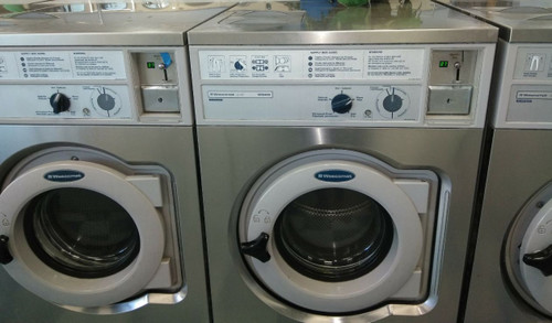 Wascomat W620 Commercial Coin Operated Front Load Washer 20 LB