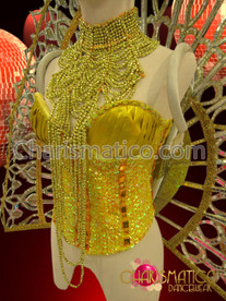 CHARISMATICO Golden burlesque corset, necklace, headdress, and backpack showgirl costume set