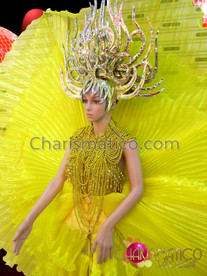 CHARISMATICO Yellow Pleated Wing Skirt, Gold Necklace, Leotard, And Headdress Set