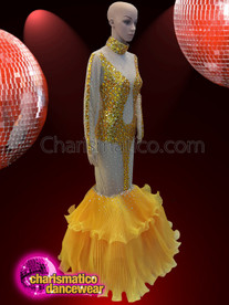CHARISMATICO  Obtain an undeniably sexy appeal with this amazingly crafted golden gown