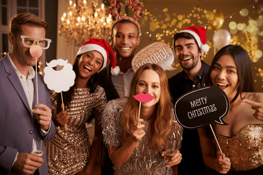 Holiday Fashion Tips: 7 Solid Outfit Ideas for Your Christmas Party