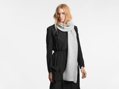 Design House Pleece Scarf Long - Light Grey