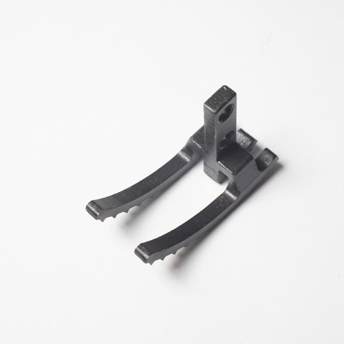 Upper Feed Dog Part # 2126G  (for 2200G Series machine)